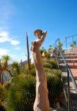 Eine der schönen women Statuen im Eze Garten Stockbilder