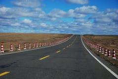 Eine direkte Landstraße zum Himmel Lizenzfreies Stockfoto
