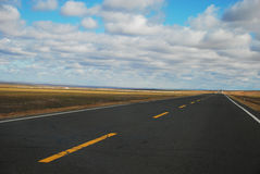 Eine direkte Landstraße zum Himmel Lizenzfreie Stockfotografie