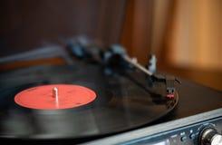 Eine Drehscheibe- und Vinylaufzeichnung lizenzfreies stockbild