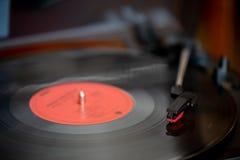 Eine Drehscheibe- und Vinylaufzeichnung stockbild