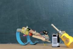 Eine einfache Robotererfindung ist der Anfang der Innovation stockfotografie