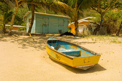 Eine einfache Strandbretterbude in den Karibischen Meeren stockfotos