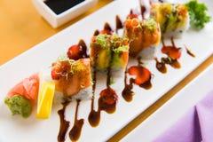 Eine elegante Darstellung von Sushi Stockfoto