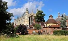 Eine englisches Dorf gesehene Form der Kirchhof Lizenzfreie Stockfotografie