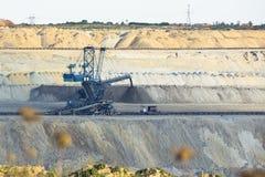 Eine enorme Bergwerksmaschine Lizenzfreie Stockfotos