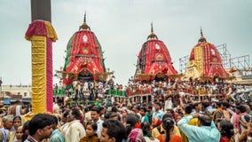 Eine enorme Versammlung von eifrigen Anhängern von den verschiedenen Teilen von Indien bei Puri stockfoto