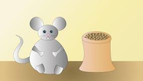 Eine erfüllte glückliche graue Maus nach dem Abendessen Stockbilder