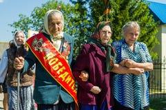 Eine ernste Sitzung zu Ehren Victory Days in Weltkrieg 2 kann 9, 2016 in der Kaluga-Region in Russland Stockfoto