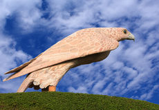 Eine Falke Statue in Bahrain lizenzfreie stockbilder