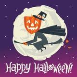 Eine Fliegenhexe auf einem Besenstiel auf einem Hintergrund des Mondes Glückliche Halloween-Postkarten-, -plakat-, -hintergrund-  Lizenzfreie Stockbilder