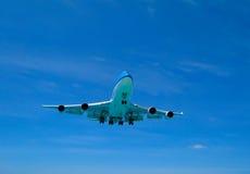 Eine Flugzeuglandung lizenzfreies stockbild
