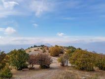 Eine Fotografie der Spitze des Berges Vodno in Skopje lizenzfreie stockbilder