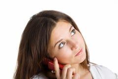 Eine Frau, die durch Handy spricht lizenzfreies stockbild