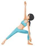 Eine Frau, die Yoga durchführt Lizenzfreie Stockfotografie