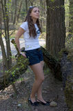 Eine Frau im Wald Lizenzfreies Stockbild