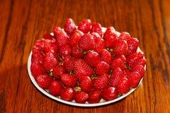 Eine frische, appetitanregende Erdbeere Stockfoto