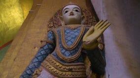 Eine gemalte Statue von Buddha stock video footage