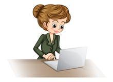 Eine Geschäftsikone unter Verwendung eines Laptops Stockfotos