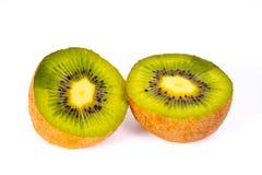 Eine geschnittene Kiwi lizenzfreies stockfoto