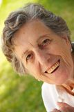 Eine glückliche alte Frau Lizenzfreie Stockfotografie