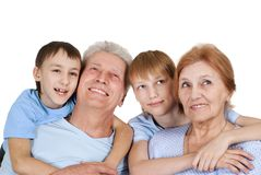 Eine glückliche vierköpfige Familie lizenzfreies stockbild