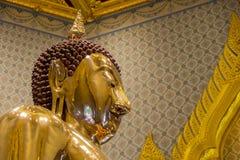 Eine Gold-Buddha-Statue, Bangkok, Thailand Lizenzfreie Stockfotos