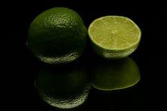 Eine grüne Zitrone Lizenzfreies Stockfoto