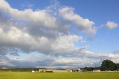 Eine große Abendlandschaft in landwirtschaftlichem Kanada Lizenzfreie Stockbilder