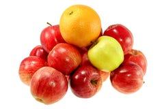 Eine großen orange und roten Äpfel Stockfotografie