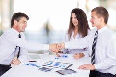 Eine Gruppe erfolgreiche Geschäftsmänner Stockfoto
