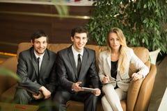 Eine Gruppe erfolgreiche Geschäftsmänner Stockbilder
