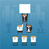 Eine Gruppe Geschäftsleute arbeiten in einer Pyramide mit Lizenzfreies Stockbild