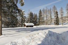 Eine Hütte auf der Landschaft Lizenzfreie Stockbilder