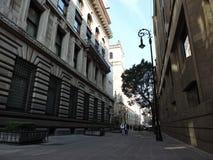 Eine im Stadtzentrum gelegene Straßenansicht lizenzfreie stockfotos