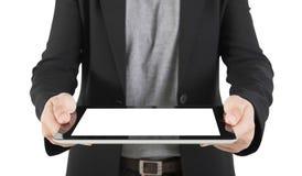Eine junge Geschäftsfrau, die ihren digitalen Tabletten-PC hält (Fokus auf Th Lizenzfreies Stockfoto