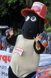 Eine Kampagne 'zum Opfer' vor Eid Al-Adha-Feier in Indonesien Lizenzfreies Stockfoto