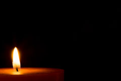 Eine Kerze für Weihnachten lizenzfreies stockbild