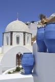 Eine Kirche in Fira, Santorini, Griechenland Lizenzfreies Stockfoto