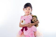 Eine kleine Ballerina mit ihr Bären Lizenzfreie Stockbilder