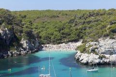 Eine kleine Bucht im Mittelmeer Stockfotos