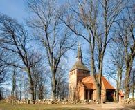 Eine kleine Dorfkirche Stockbild