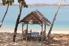 Eine kleine Hütte nahe bei dem Meer Stockbilder