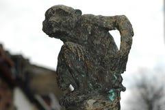 Eine kleine Statue des Affen Stockfoto