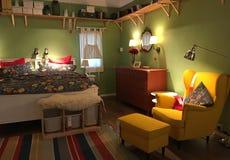 Eine kreative Note der Innenarchitektur des Schlafzimmers lizenzfreies stockbild