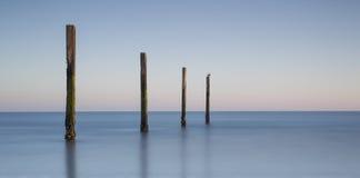 Eine Landschaft des Meeres in den frühen Stunden Lizenzfreie Stockfotos