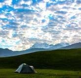 Eine Landschaft von Trishul Masiff stockfotos