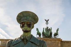 Eine lebensechte Puppe eines deutschen Soldaten Lizenzfreies Stockfoto