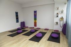 Eine leere Reformer- oder Yogaklasse Lizenzfreies Stockbild