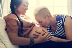 Schwangere lesbische Geschlechtsterchen